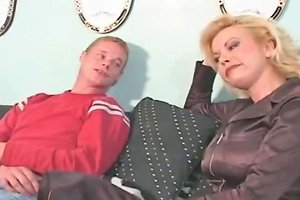 Blonde Mom And Boy Free Old Porn Video 91 Xhamster