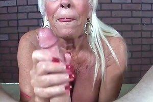 Old Lady Pv Jerking