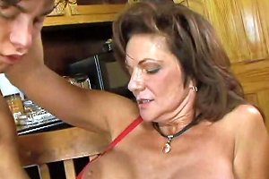 Mature Seduces A Young Salesman Free Porn 6a Xhamster