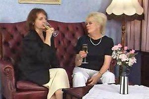 Mature German Classy Grannies Im Auto Vernascht Porn C7