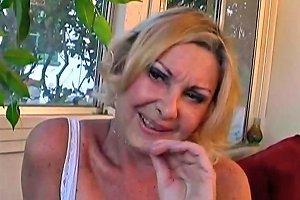Workman Pets Granny Anastasia's Furry Puss Free Porn 3d